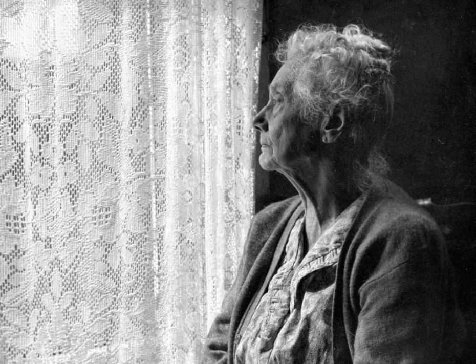 elderly_woman__bw_image_by_chalmers_butterfield-1024x783